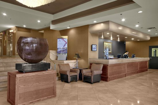 Harbour Towers Hotel & Suites : Lobby