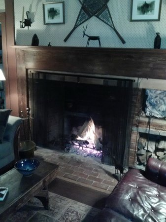 Chipman Inn: Taproom with beehive dutch oven fireplace