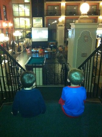 Caribbean Cove Hotel & Conference Center: Movie Night