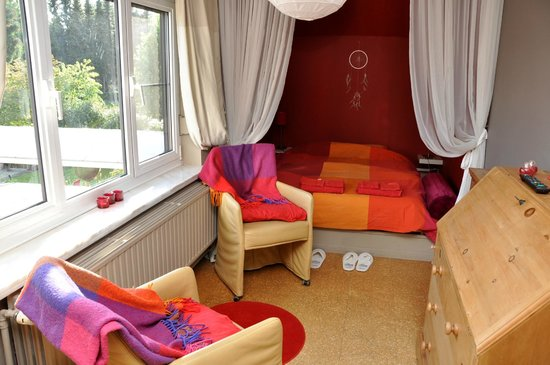 't Solveldje B&B: red room