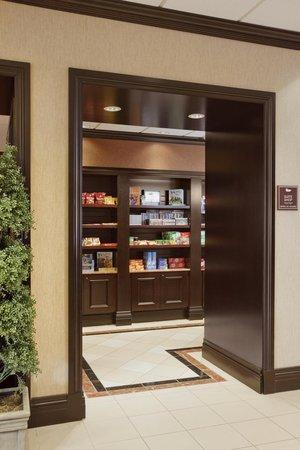 Homewood Suites by Hilton Cambridge-Waterloo, Ontario : Suite Shop