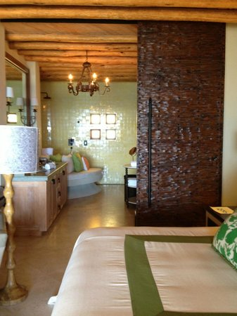 The Resort at Pedregal: room bath