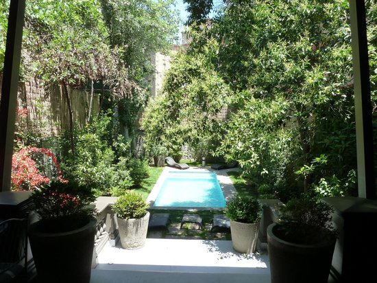 Lastarria Boutique Hotel: Back Porch/Garden