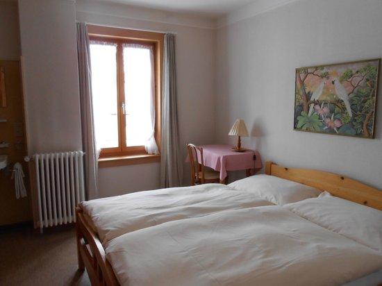 Hotel Trais Fluors: Zimmer Nr. 9