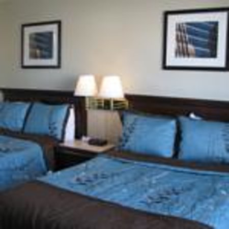Motel de l'Outlet : 2 double beds