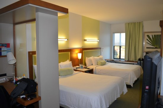 SpringHill Suites Orlando at SeaWorldR: Room 1440