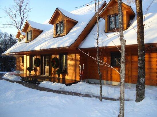 Plumes et Glisse : exterior in winter