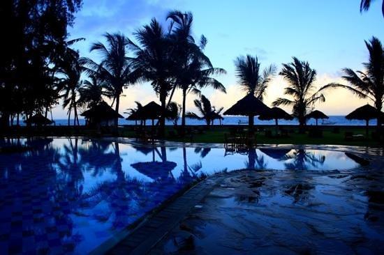 Neptune Palm Beach Boutique Resort & Spa: piscine