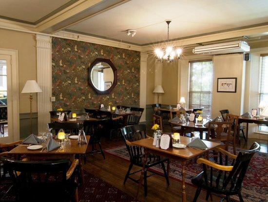 Middlebury Inn: Morgan's Tavern Dining