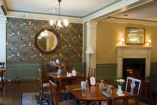 Middlebury Inn: Morgan's Tavern