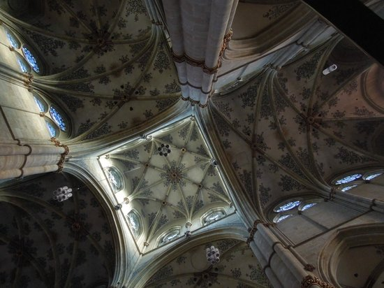 Liebfrauenkirche - foliage ceiling - Trier - May 9 2012