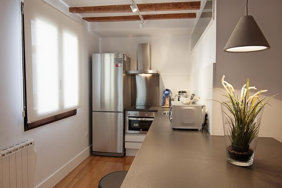 Madrid SmartRentals Chueca : Kitchen