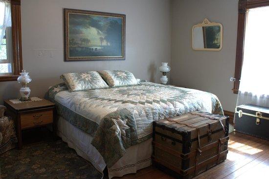 Prairie Creek Inn: Prairie View Room...optional private bath
