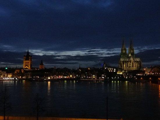Hyatt Regency Cologne: Blick aus dem Fenster (2)