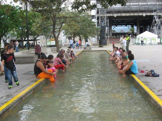 Hotel Poblado Plaza: Parque Pies Descalzos