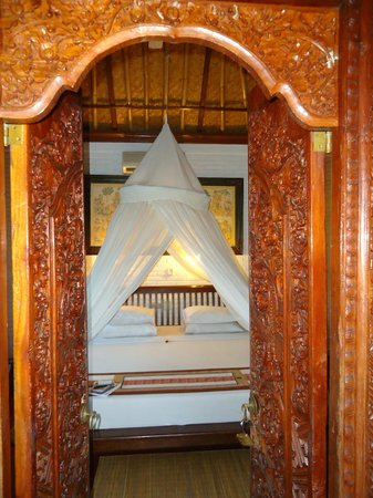 Sri Bungalows: Bedroom entrance