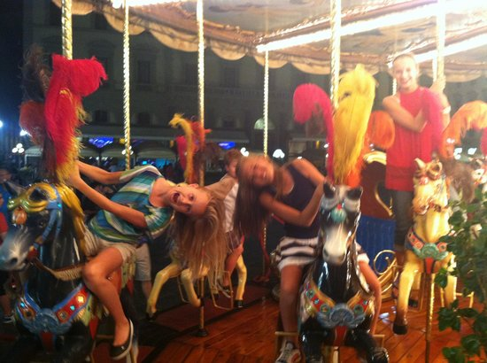 Walks Inside Florence : Ride the carousel!
