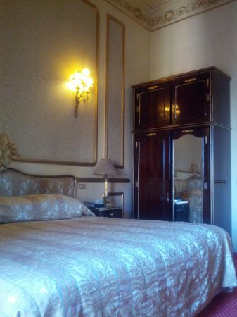 Paradise Inn Le Metropole Hotel : Standard Room
