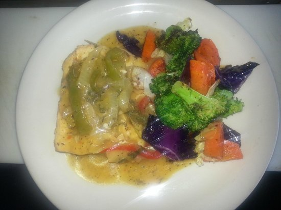 Mermaid's Dockside Bar & Grill: STEAM MAHI-MAHI