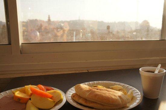 Hashimi Hotel: 3階ラウンジ 朝食