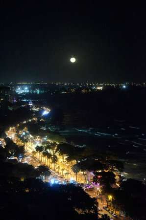 Catalonia Santo Domingo: Nighttime View from Room 2009