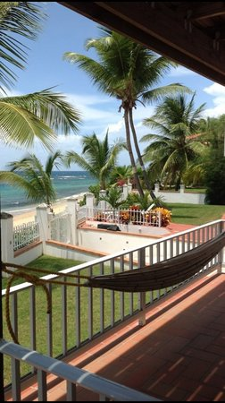 Villa Tropical Oceanfront Apartments on Shacks Beach: View from porch