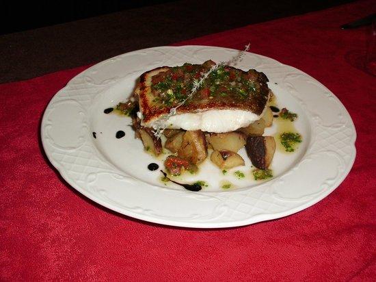 Hotel Mirtil: dos de cabillaud roti sauce vierge