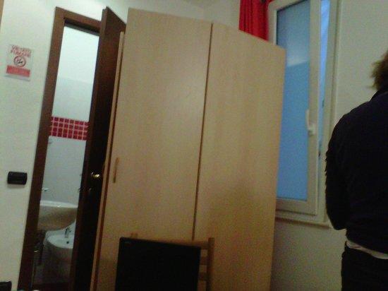 Bagno senza finestra ne bidet foto di albergo la piazzetta rapallo tripadvisor - Bagno senza finestra ...