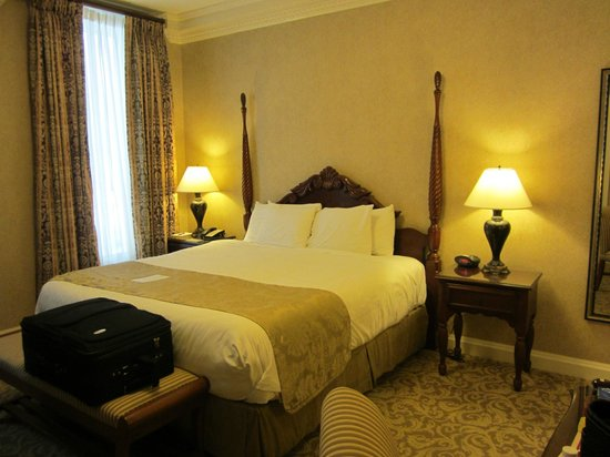 French Lick Springs Hotel: King deluxe room