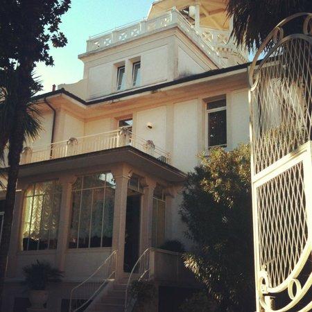 Villa Delle Palme: Vorderansicht