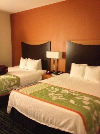 Fairfield Inn and Suites Palm Coast : Comfy Beds