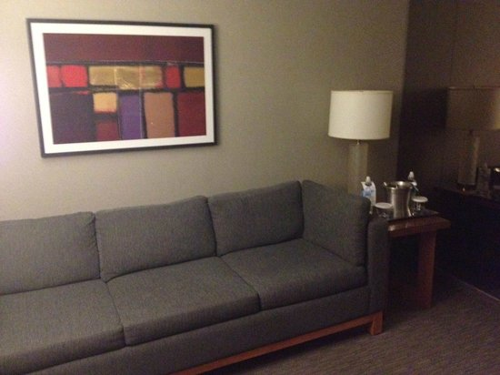 Hilton Toronto Airport Hotel & Suites: welcoming sitting area?