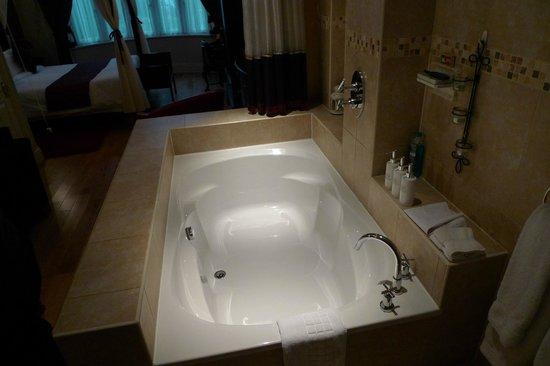 Hotel de Vie: bath