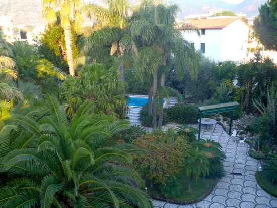 Villa dei D'Armiento: October 2012