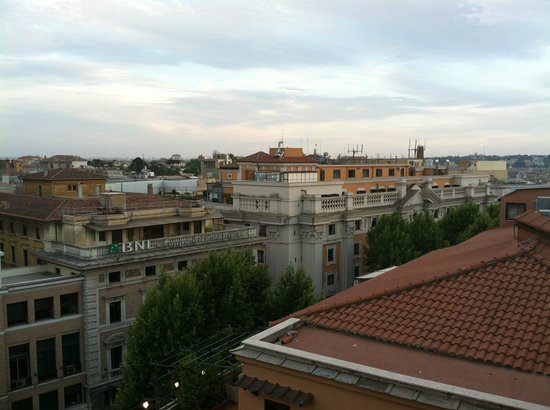 Grand Hotel Palace: Sit on your ledge and view the city!