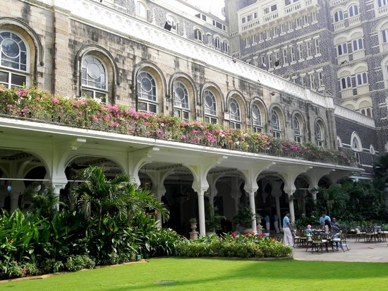 Image result for THE TAJ MAHAL PALACE HOTEL ENTRANCE.