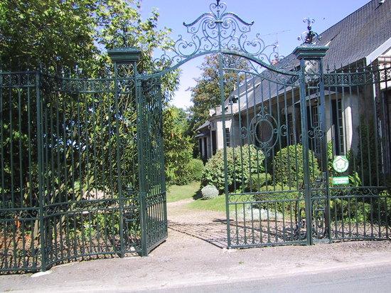 Mons-en-Laonnois, Frankrijk: la grille et la maison