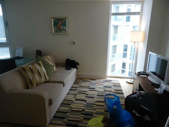 SACO Canary Wharf - Trinity Tower: Livingroom & sofabed