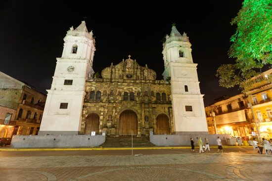 Casa del Horno : Nearby Independence Plaza