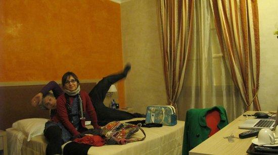 Residenza Castelli: Camera arancione