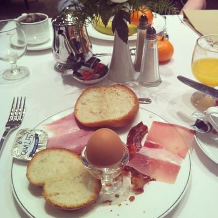 Grand Hotel Casselbergh Bruges: petit déjeuner salé
