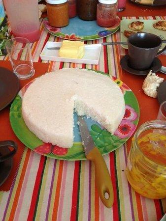Pousada Esmeralda: gateau tapioca coco ...; Una Dolce !