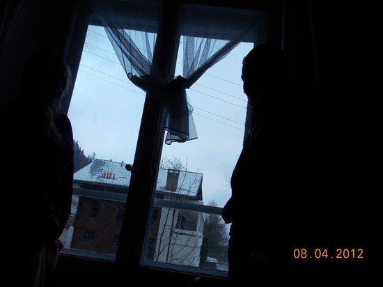 Les Airelles: No nosso quarto curtindo a neve
