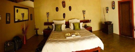 Naledi Bushcamp and Enkoveni Camp: our room