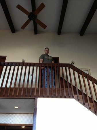 ذا هايلاند آت شوجر: Upstairs 