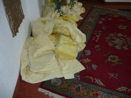 Hotel Olivia: man beachte den Umgang mit frischer Wäsche