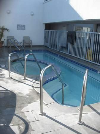 The Inn at Marina del Rey: Pool