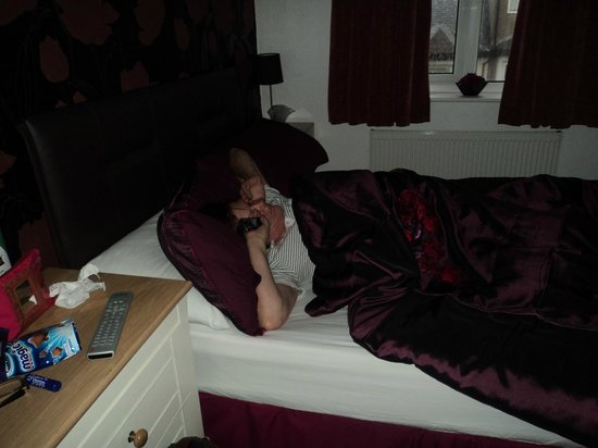 Lyndene Guest House: my sister was to comfy to get up lol