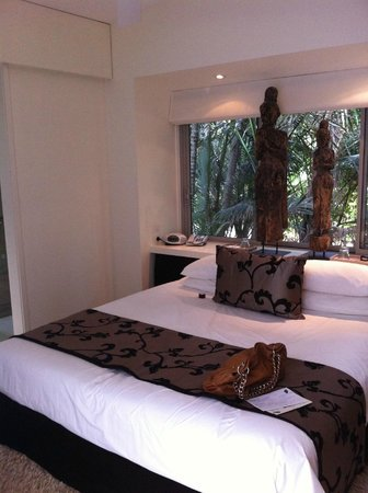 Arajilla Retreat - Lord Howe Island: Arajilla Suite bed