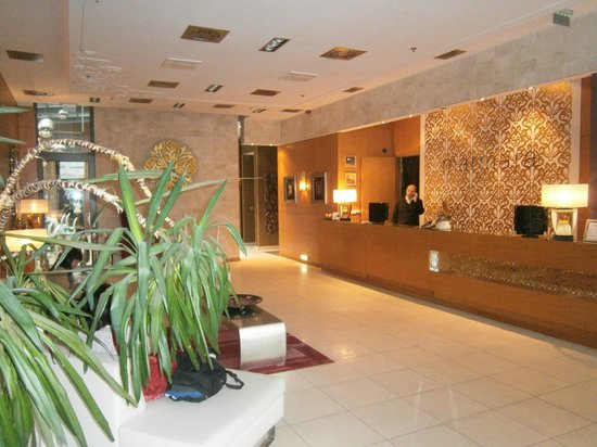 Marmara Hotel Budapest: Marmara Hotel Lobby